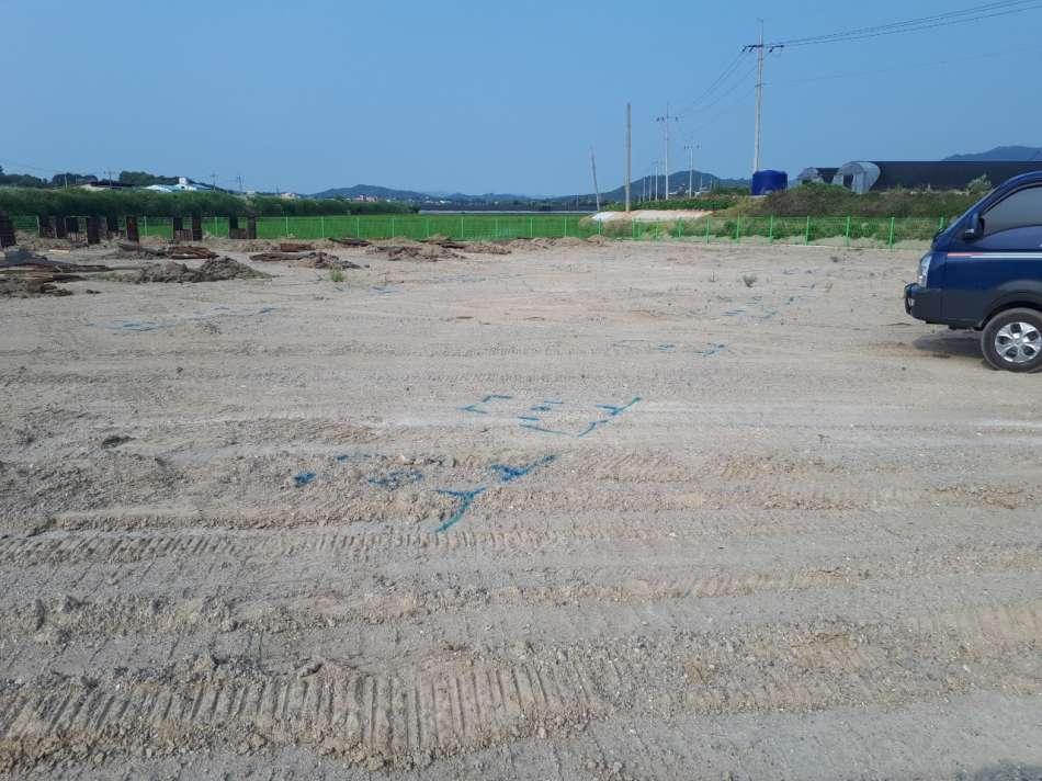 토목공사 완료 후 기초공사 측량도 마친 후.jpg