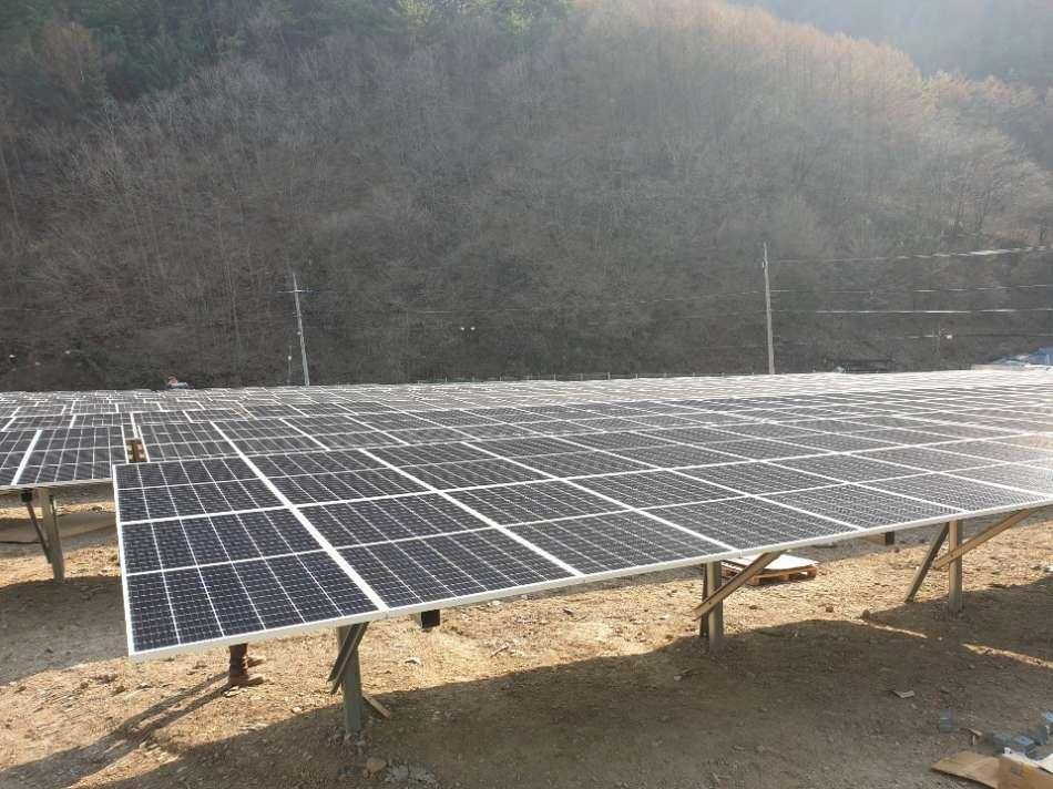 태양광발전소-모듈조립2.jpg